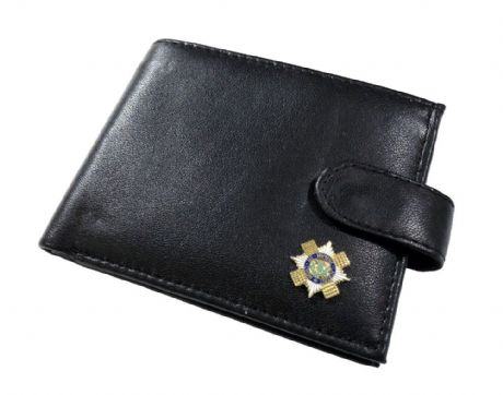 Genuine Leather wallet featuring an enamel badge of the Scots Guards. Great gift idea.